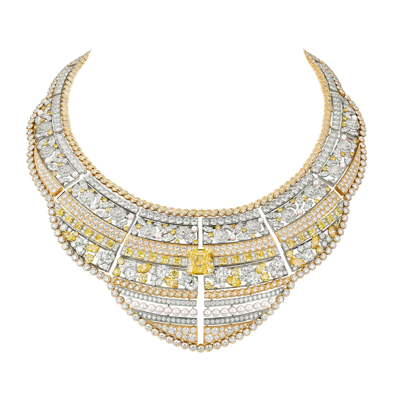 LE PARIS RUSSE DE CHANEL Roubachka necklace Chanel High Jewelry Collection
