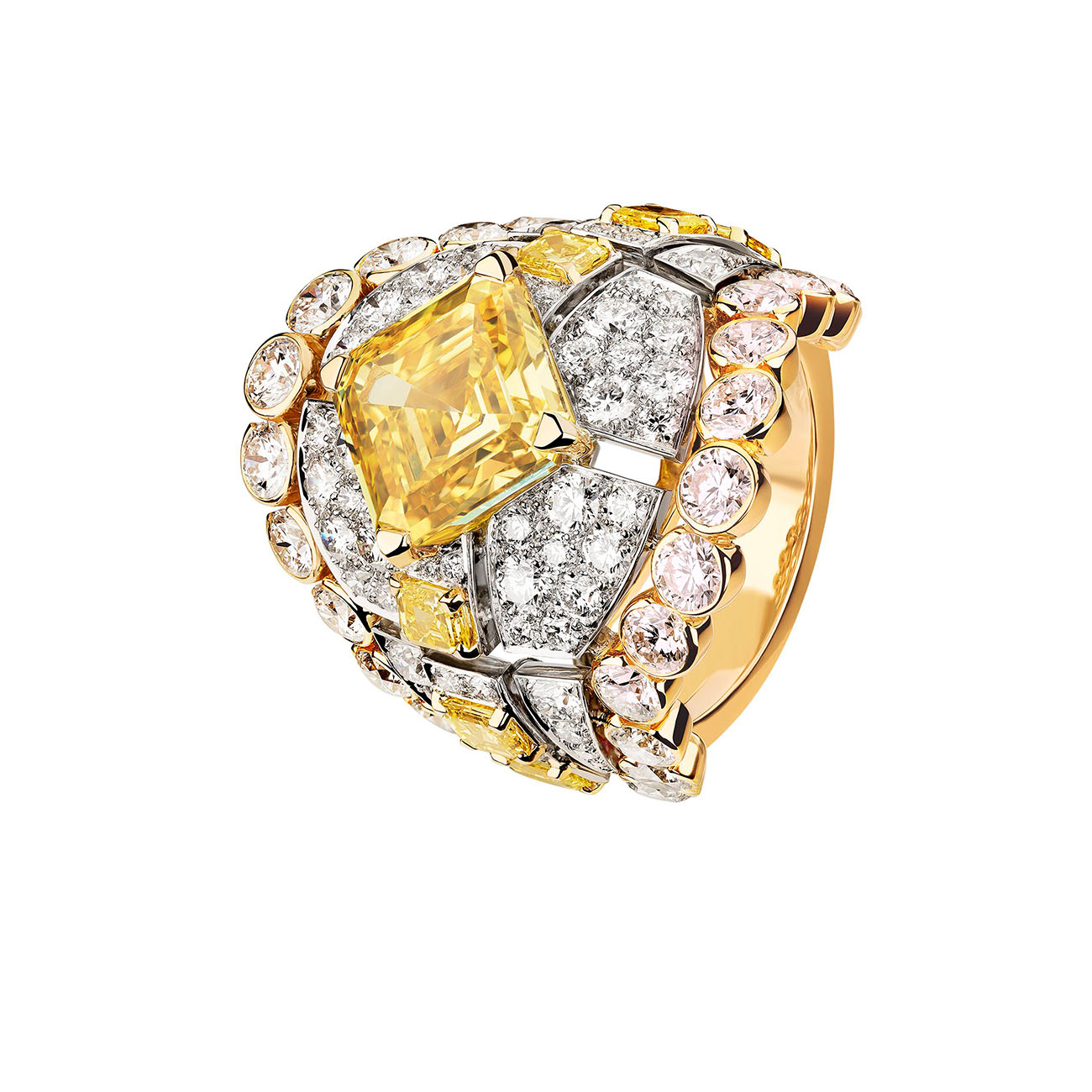 LE PARIS RUSSE DE CHANEL Roubachka ring High Jewelry Collection