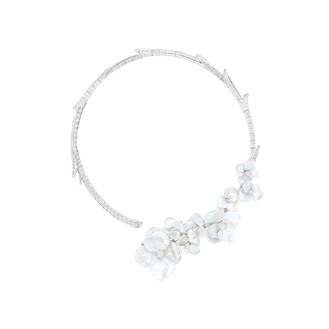 Boucheron - Nuage de Fleurs Question Mark necklace set with mother-of-pearl and diamonds (short version)